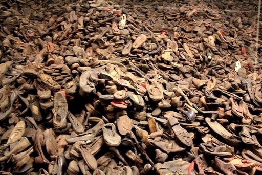 Auschwitz-scarpe