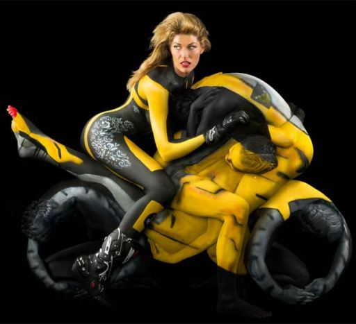 Human-motorcycle-bodypainting.p