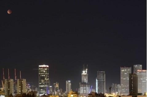 luna di sangue a Tel Aviv 1