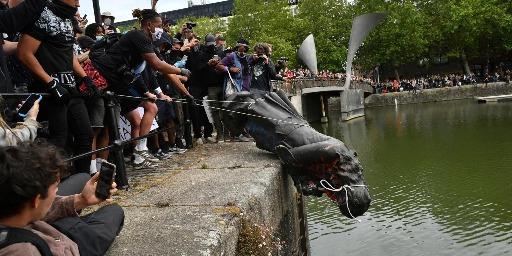 statua in acqua